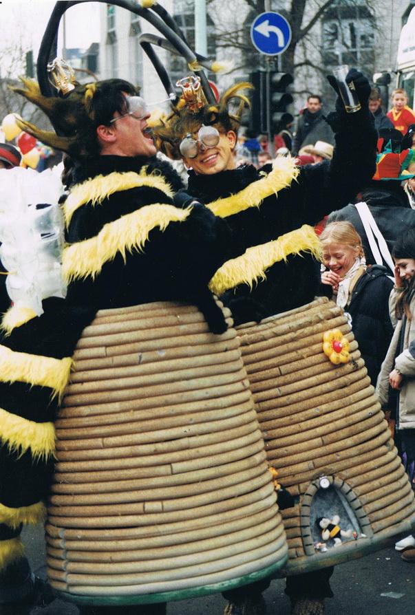 Bieneimbienenkorb01___
