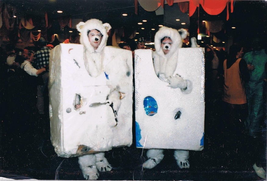 Eisbär im Eisblock 1996